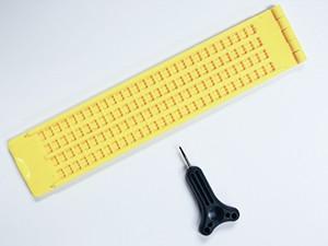 Plastic, 4-line slate with stylus