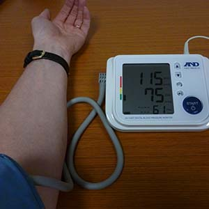 Talking Blood Pressure Monitor with large print screen