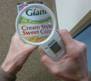 Showing the can label with magnification